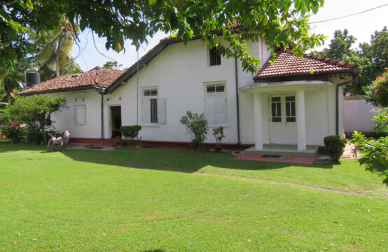 Exclusive colonial style house for sale