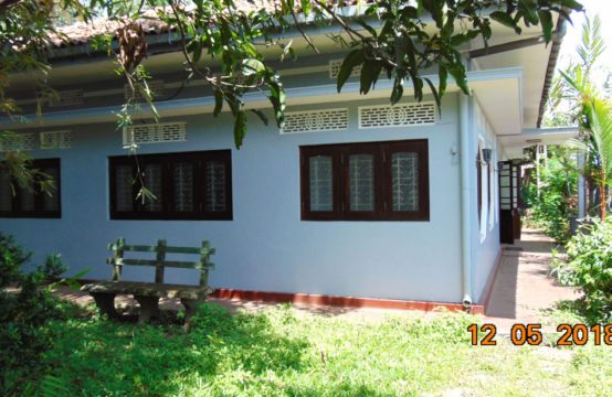 4 Bedroom house for sale facing Elpitiya Colombo main road