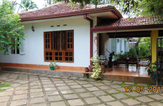 3 Bedroom Sri Lankan style house ready to move in