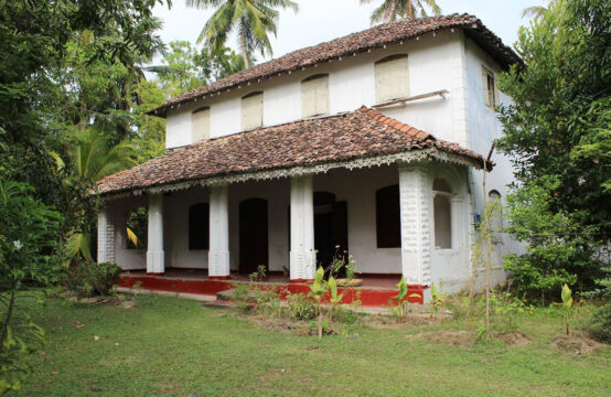 Colonial style house for sale close to beach