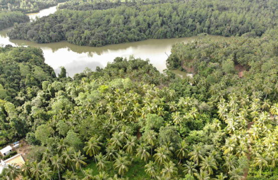Development land for sale overlooking Dandeniya lake – 3 Acres