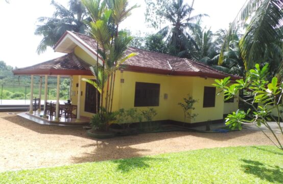 House with annex for sale