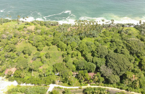 Stunning land on a Peninsula for sale (Two Plots)