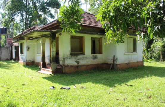 House for renovation close to beach – 3 Acres