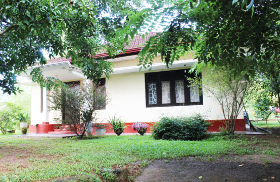 4 Bedroom house for sale close to Induruwa beach
