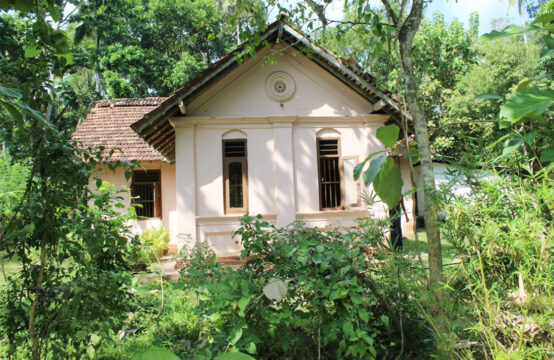 4 Bedroom Colonial style house for sale in Hiriketiya