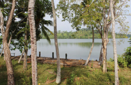 Perfect renovation project on Dodanduwa lake