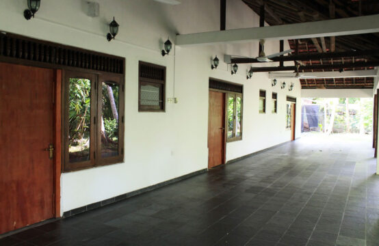 6 Bedroom guest house with 2 cabanas for sale
